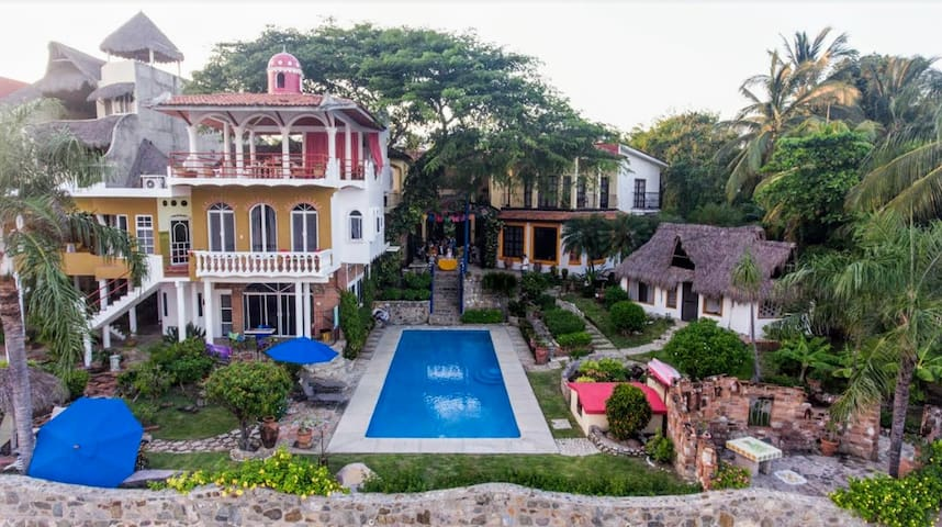 Jardin del Mar Beachfront Estate - La Cruz de Huanacaxtle - House