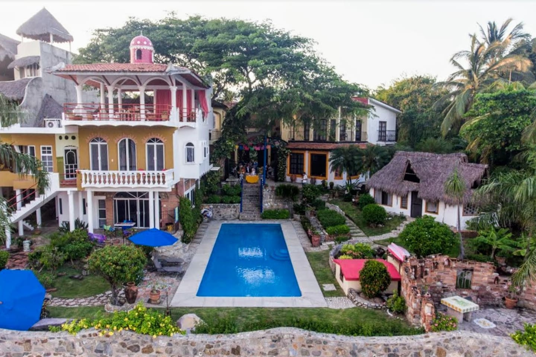 Jardin del Mar Beachfront Estate