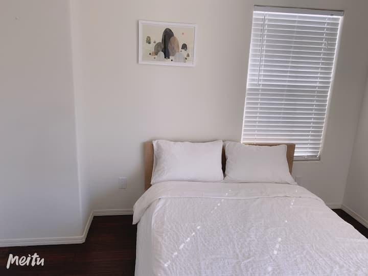 New Furnished House Cozy private room 华人区全新雅房