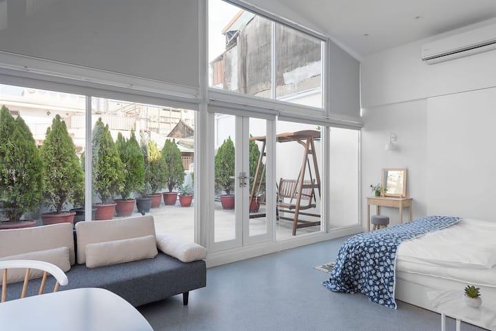 圖格旅‧豪華頂樓公寓式套房(私人庭園搖椅、廚房、可加床