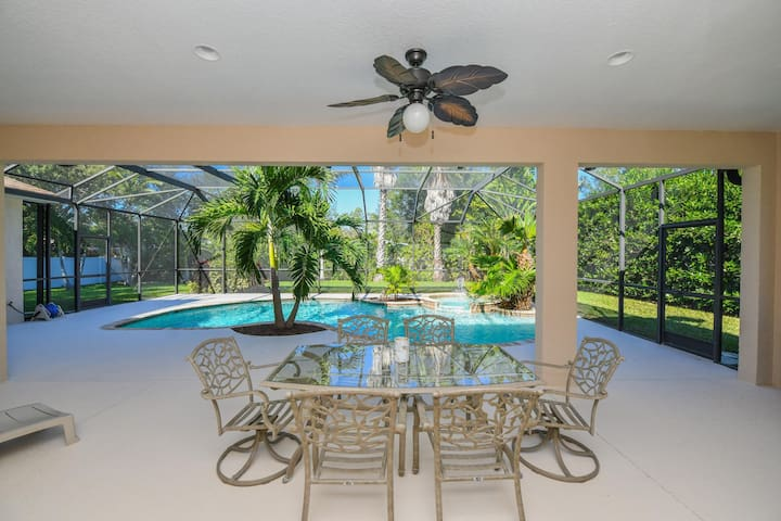 Elegant villa 3 bedms/2 bathms with pool close to Anna Maria