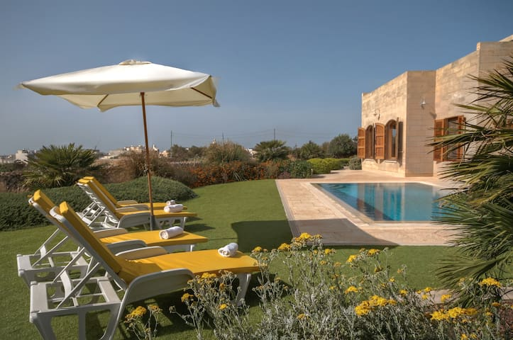 Superb Ta Trejni Villa with pool - Ħad-Dingli - Villa