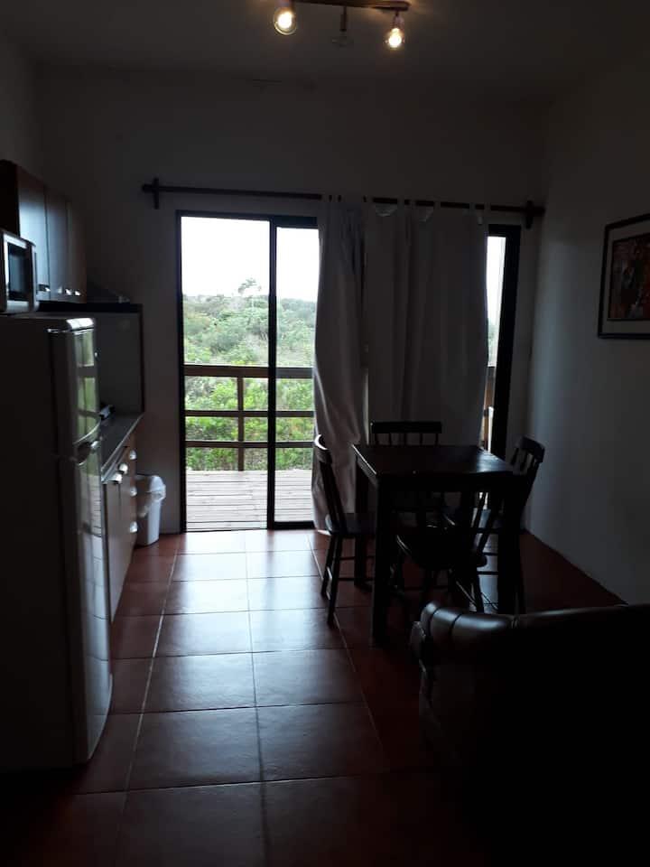 Apartamento para 5 con vistas al jardín.
