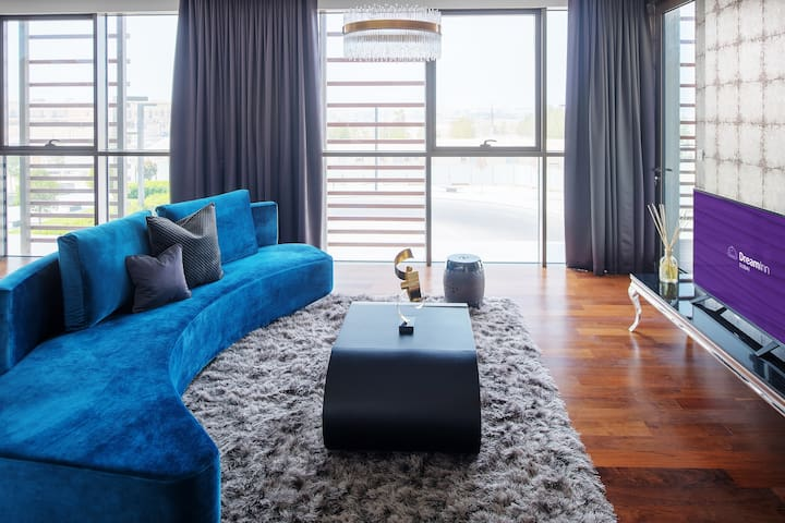 City Walk – Exotic 4 Bedroom Apartment