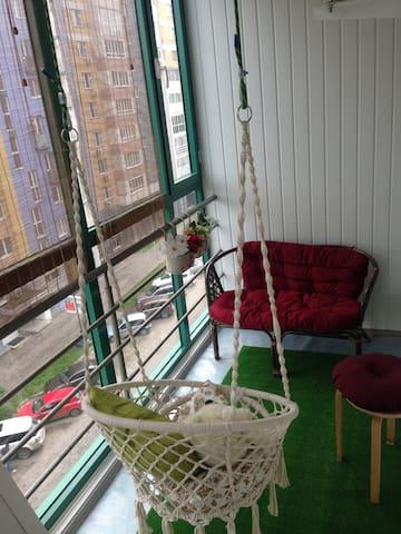 Уютная квартира с верандой.