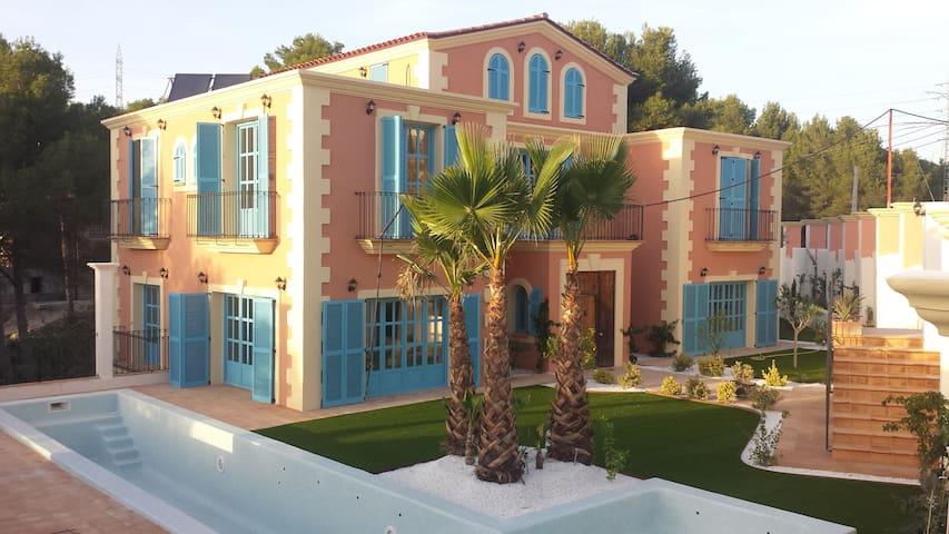 Casa colonial  Sitges Hills para familias y grupos - Olivella - Ev