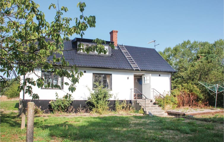 Holiday cottage with 3 bedrooms on 79m² in Borrby