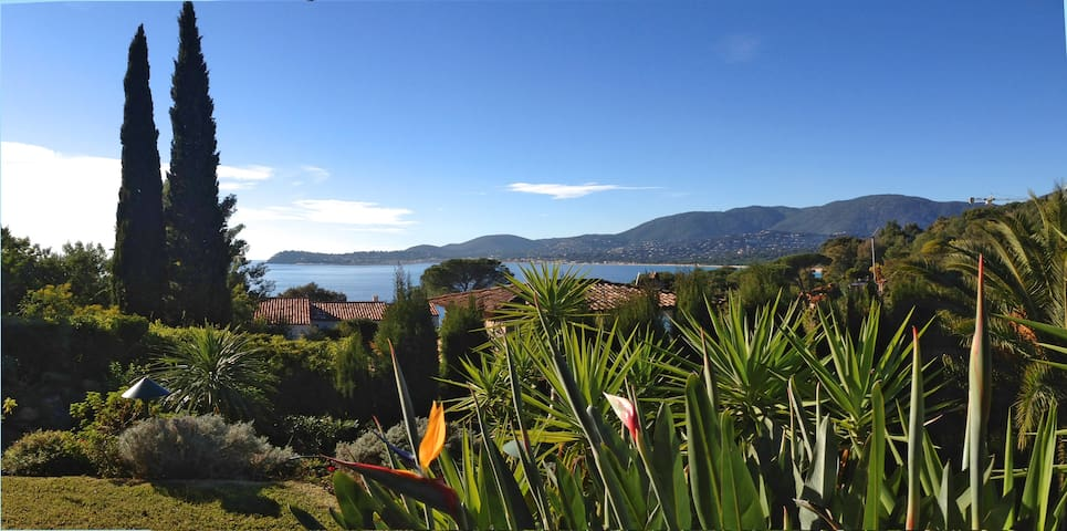 Large villa at 50m from the sea - La Croix-Valmer - House