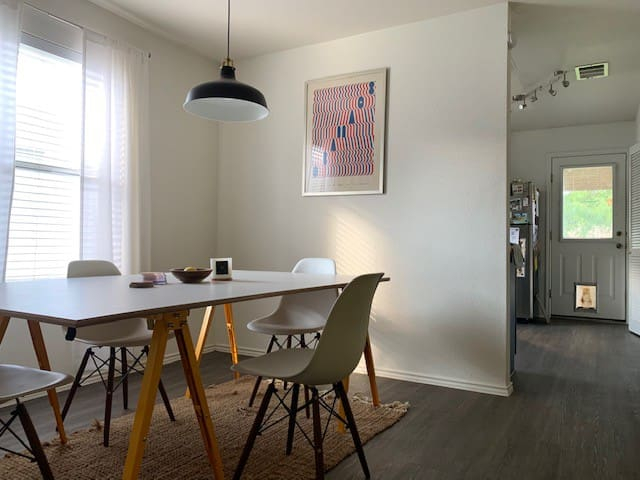 Sublet in South Central Austin