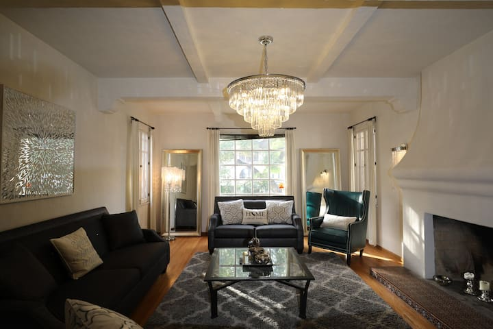 Gorgeous 3 Bedrooms West Hollywood Home