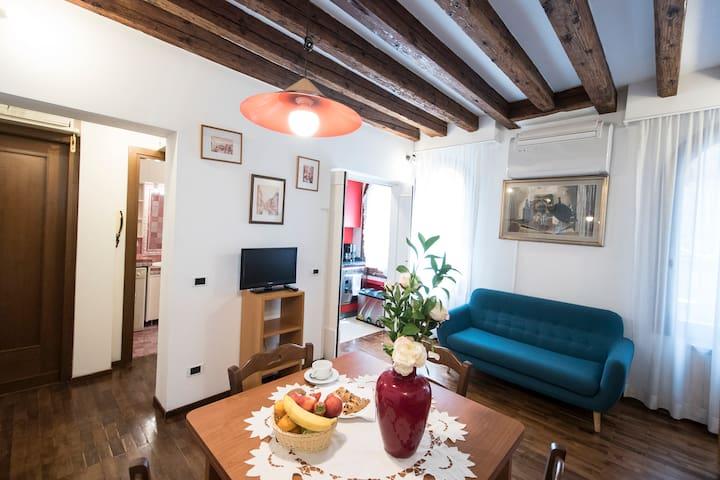 Convenient place, quiet apartment 3 persons