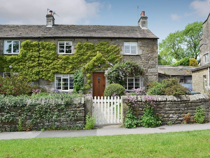 Clematis Cottage (UK2497)