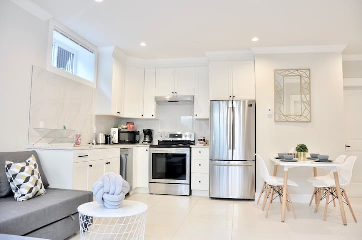 Brand New 2Rooms Unit@Close to Airport/UBC/DT