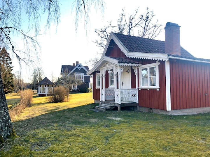 Mysig stuga nära Skara Sommarland