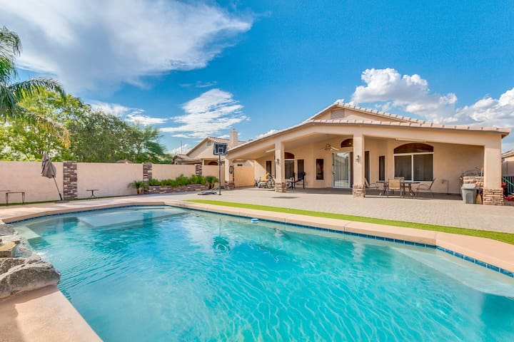 Beautiful  4bed2bath home with pool  in Phoenix!