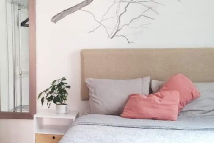 Cozy & Beautiful Room/Amazing Location XVII