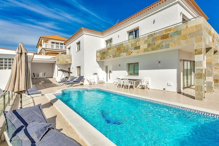 Superior Villa with big Pool and Ocean View