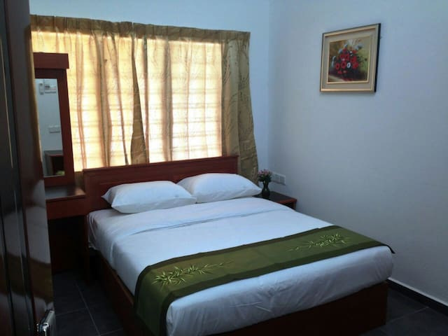 Beringin Lodge  - Deluxe Room #1