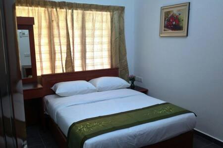 Beringin Lodge  - Deluxe Room #1