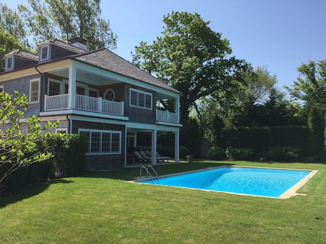 East Hampton oasis with heated salt water pool