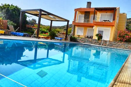 Glan y Mor Villa with a private swimming pool - Schisma Elountas - 別荘