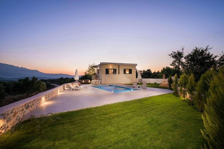 Brand new luxury villa with private pool