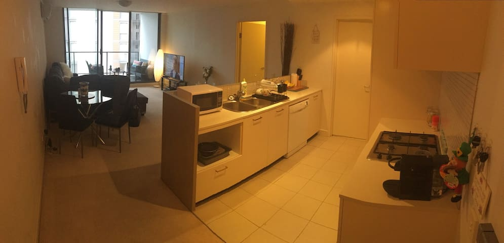 Cosy Modern Apartment! - Wolli Creek - Leilighet