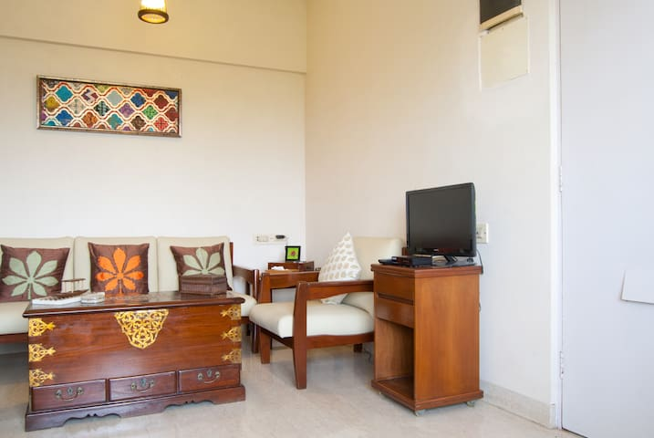 """A Home Away From Home"" Studio Apt. - Mumbai - Byt"