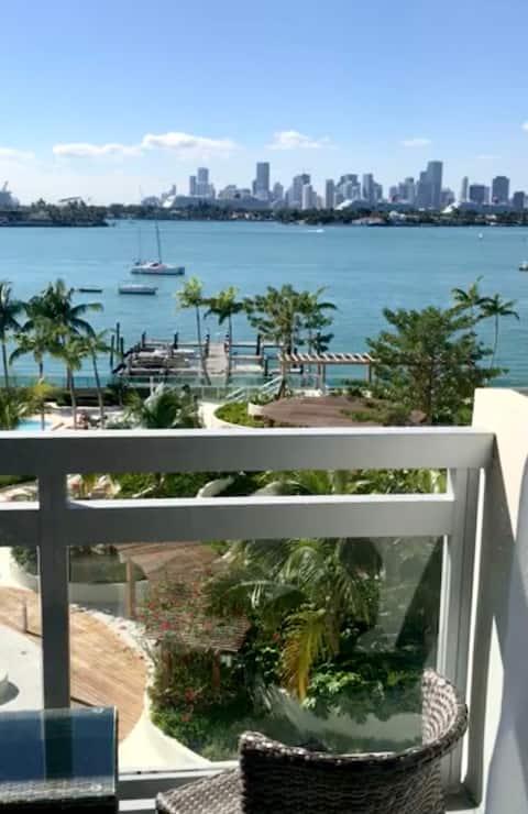 Premium 2 bedroom bay view, WIFI, Pool