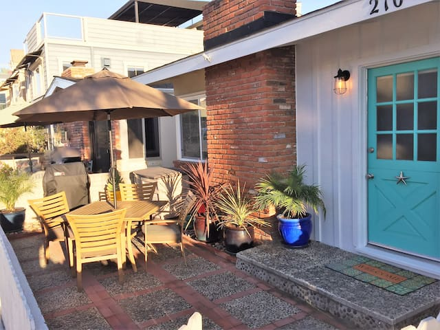 Starfish Cottage-1 Block to Beach - Newport Beach - Dom