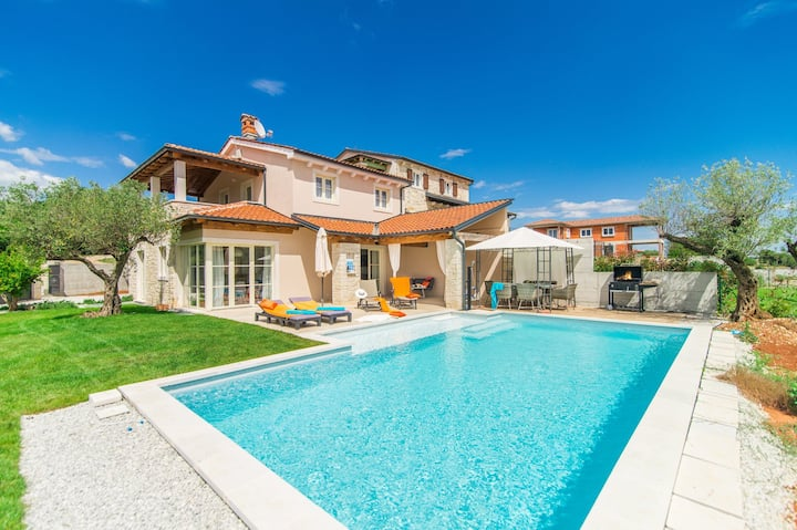 Villa Nar with pool and wonderful panoramic view