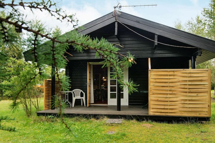 Modern Holiday Home in Jutland Midtjylland with Garden