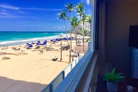 Oceanfront and On the Beach Studio Apartment - San Juan - Wohnung