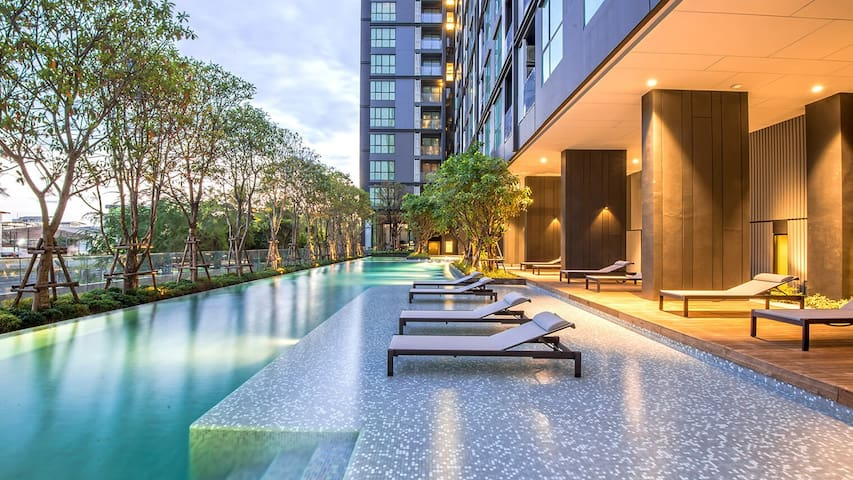 Luxury Condominium with Gym and 50m swimming pool