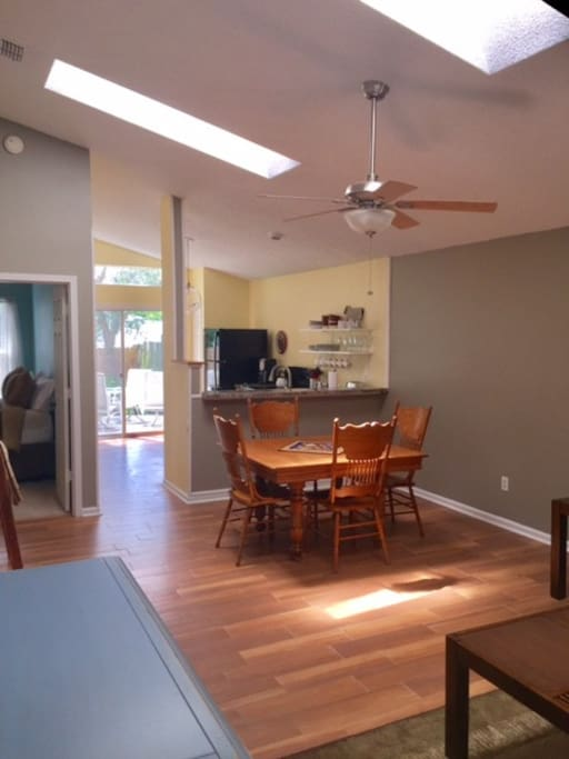 Dining area and fully equipped kitchen, coffee included