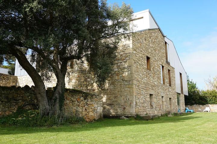 The Camp, casa de piedra en Doniños