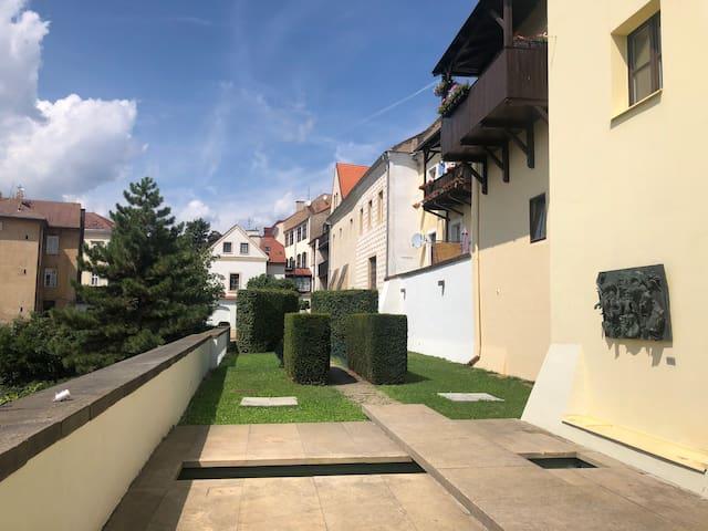 Klidný byt v centru města s výhledem do galerie
