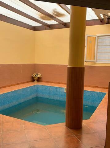 Maison d'hôte avec piscine privée intérieur
