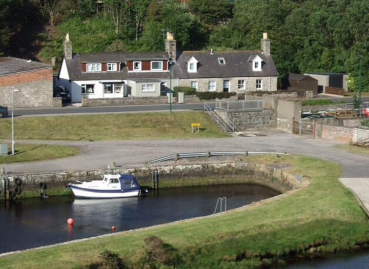 Harbour side cottage (Pet friendly)