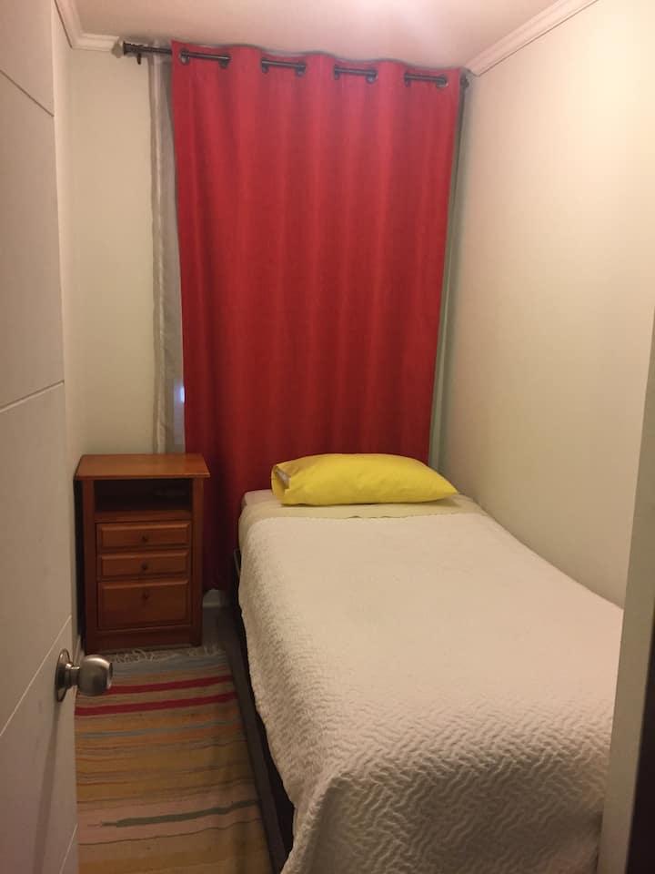 Acogedora habitación con baño compartido