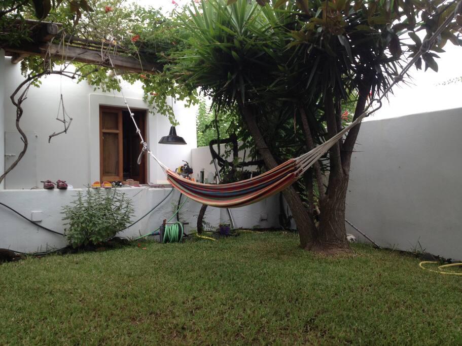Stromboli casa con giardino baciata dal sole ville in - Casa con giardino milano ...