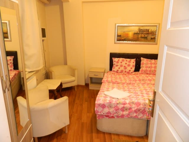 Budget Rooms At Old City - Istanbul - House