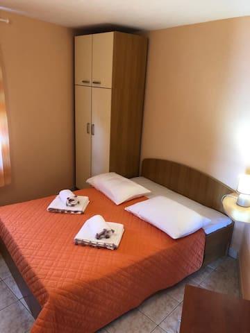 Mira - Luxury apartment in beautiful Dugi Rat