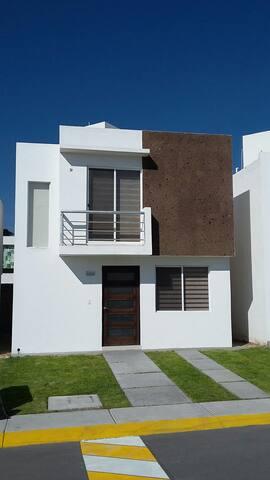 Bonita casa en San Juan del Río - San Juan del Rio - Huis