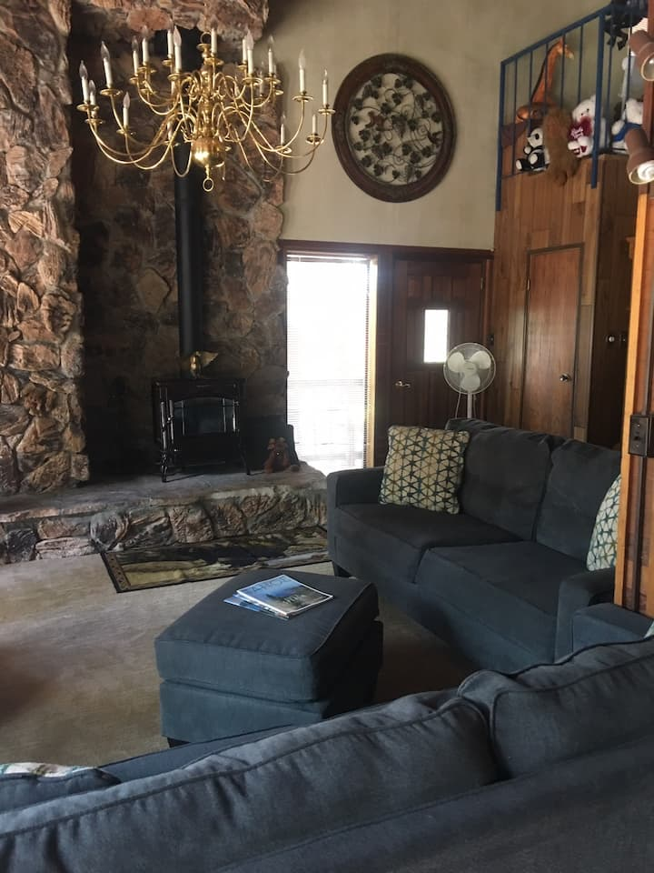 Bright, Spacious Home on Donner Lake
