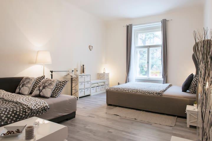 New Romantic apartment in Prague ,,13,,