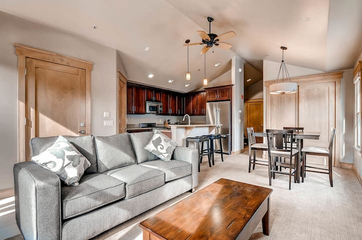 Luxurious Hideaway on Main Street in the Heart of Everything!