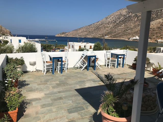 Zorba's Apartments, Kamares, Sifnos room #6