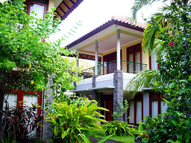 BIG SPACE (30sqm) FREE EXTRA BED in KUTA AREA