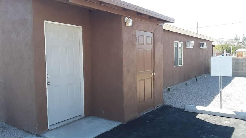Casita  in the heart of South Tucson